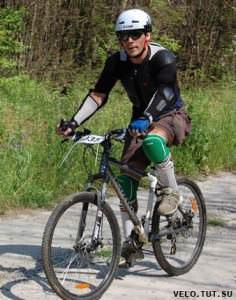 велосипедист в защите