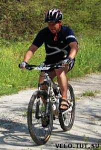парень на велосипеде Ямис