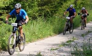 Три велосипедиста