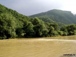 река Туапсе после дождей