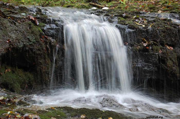 маленький водопад в районе мезмая