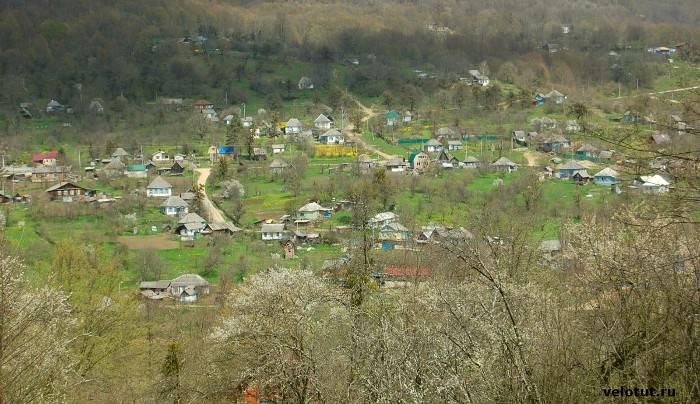 вид на поселок Мезмай