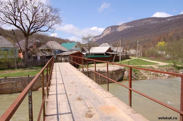 железный мост мезмай