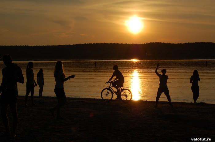 озеро селигер вечером