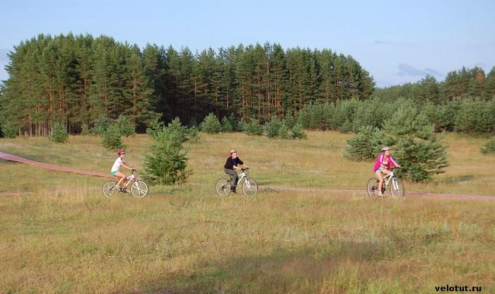 велосипедисты на селигере
