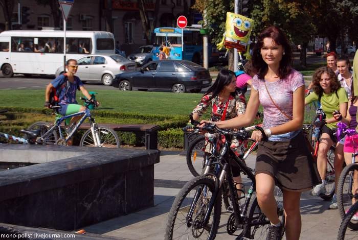 девушка с велосипедом краснодар