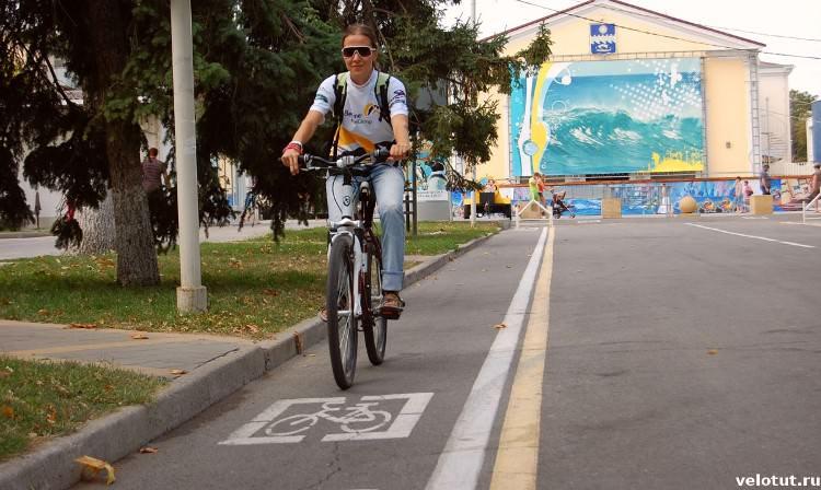 Лена велосипедистка