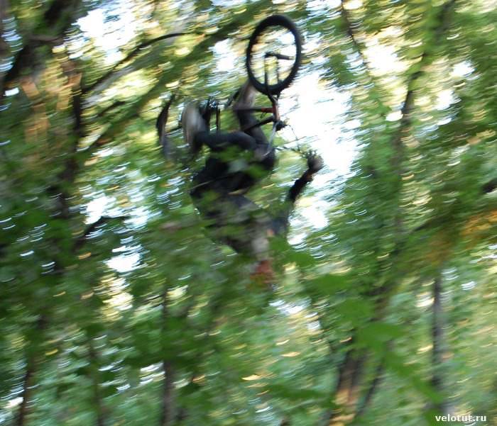 прыжок велосипедиста