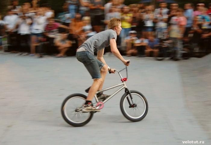 bmx-велосипедист