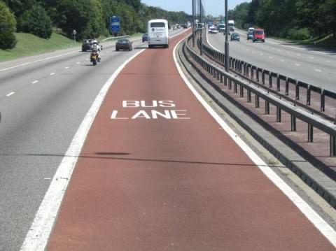 полоса для общественного транспорта