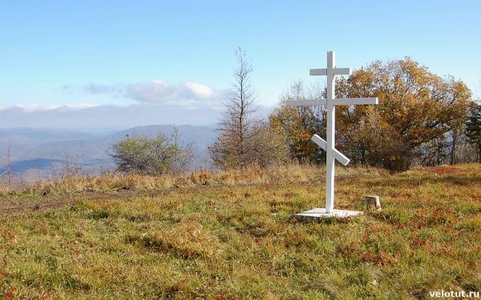 крест на горе лысой