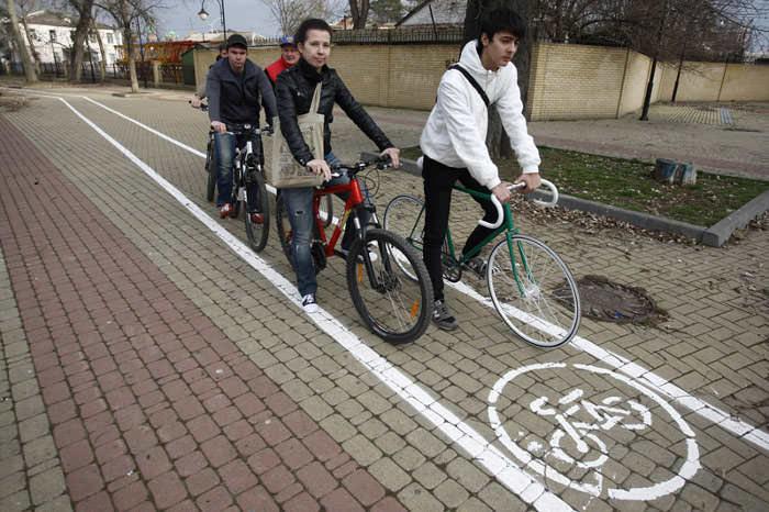 велосипедисты краснодара на велодорожке