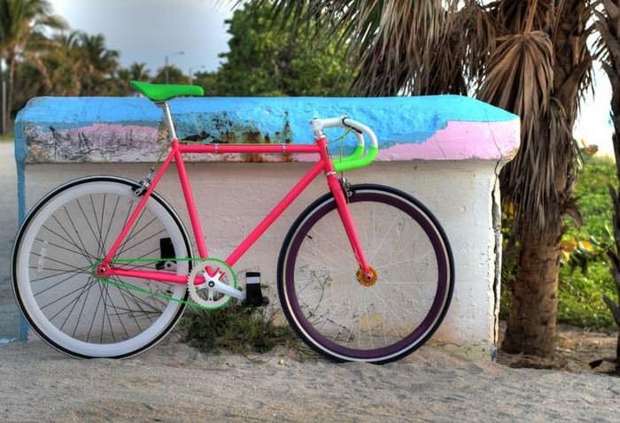 разноцветный велосипед