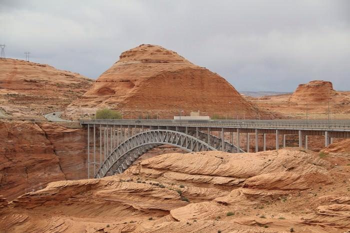 мост через реку Колорадо в Гранд-каньоне, США