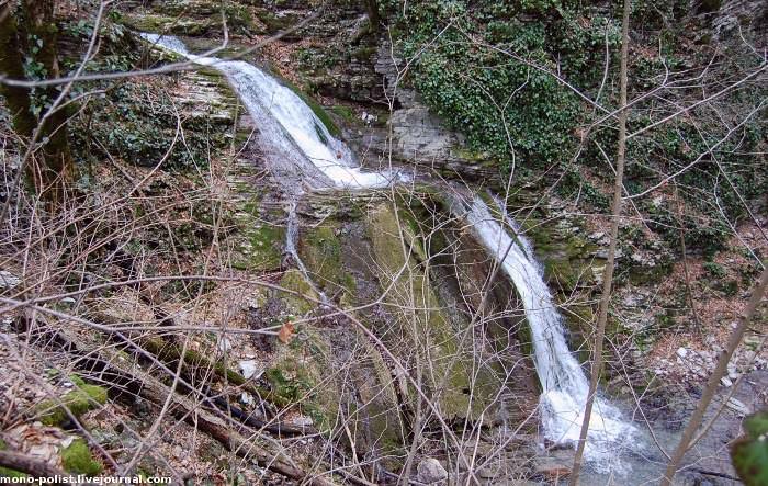 водопад на реке Бешенка