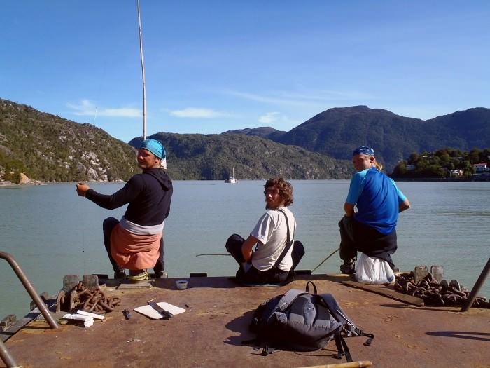 рыбалка в заливе у города Тортел, Чили