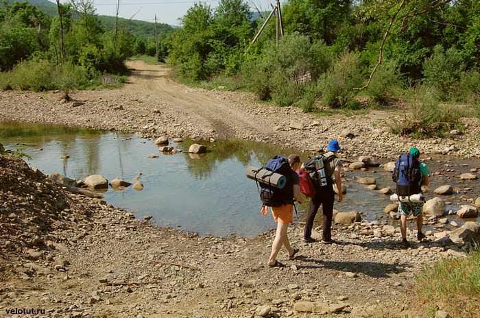переход реки вброд