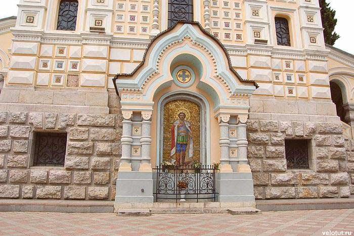 собор святого александра невского в ялте