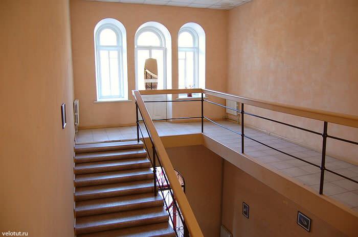 лестница хостел