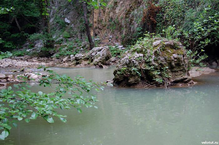 лазурная вода