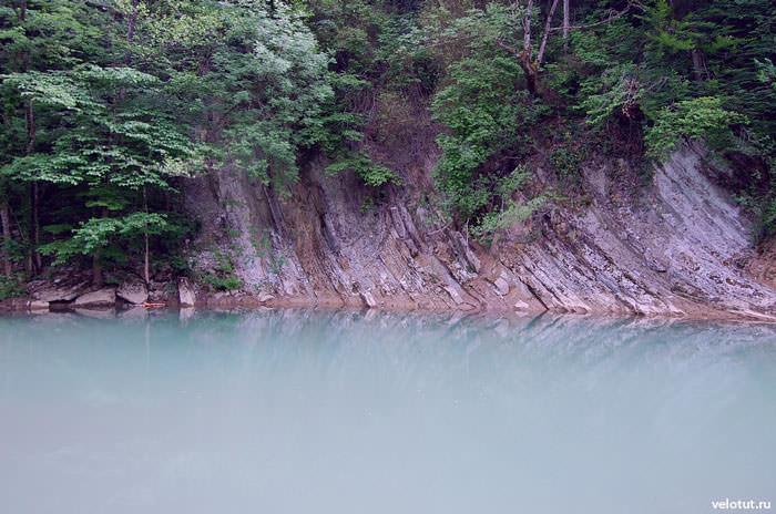 лазурная река