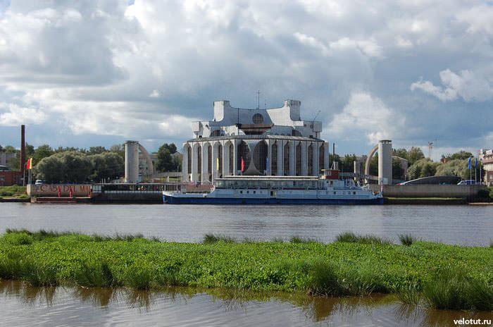 здание новгород