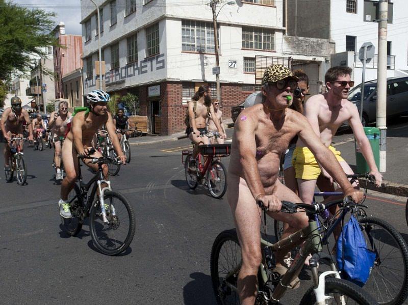 голый велозаезд
