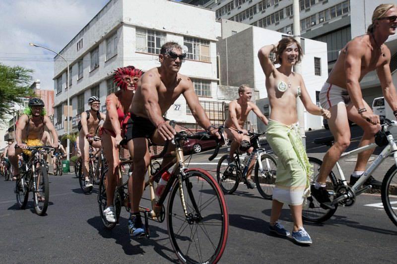 велопробег голышом