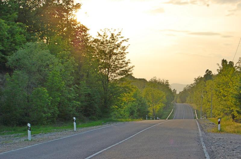 дорога между криницей и беттой