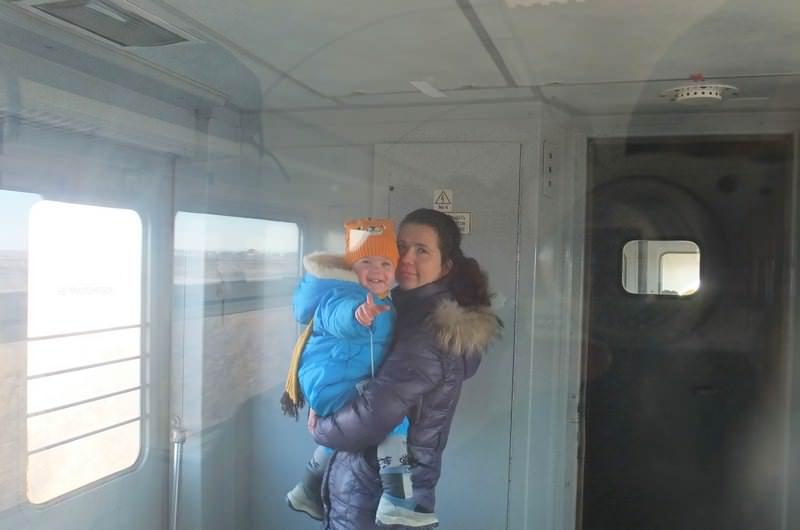 ребенок в электричке