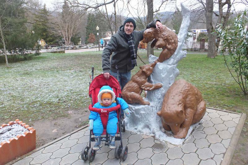 памятник медведям