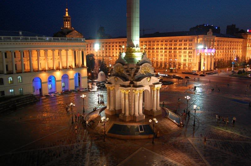 монумент независимости украины