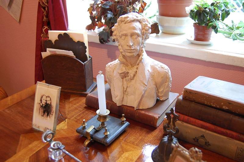 письменный стол чехова