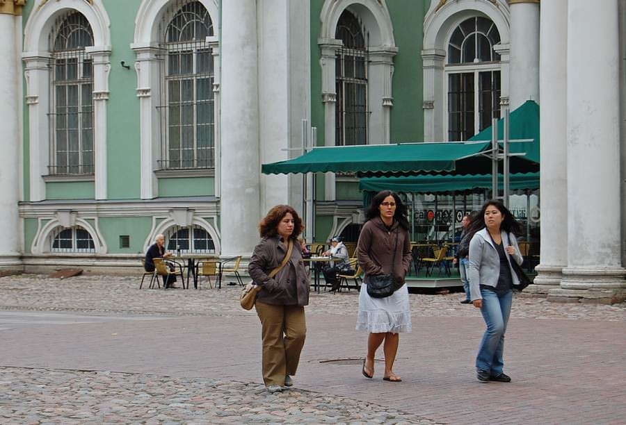 туристы эрмитаж
