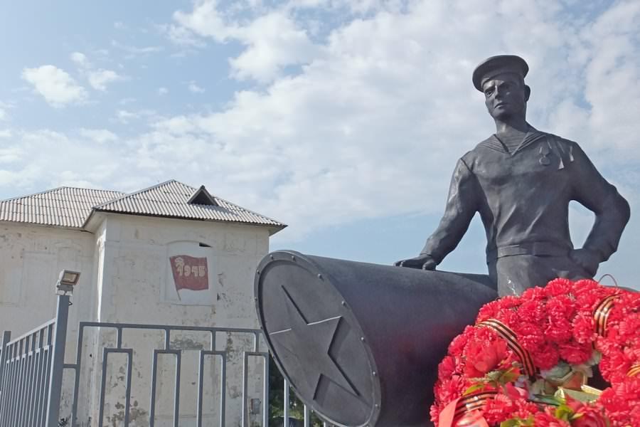 памятник дивноморск