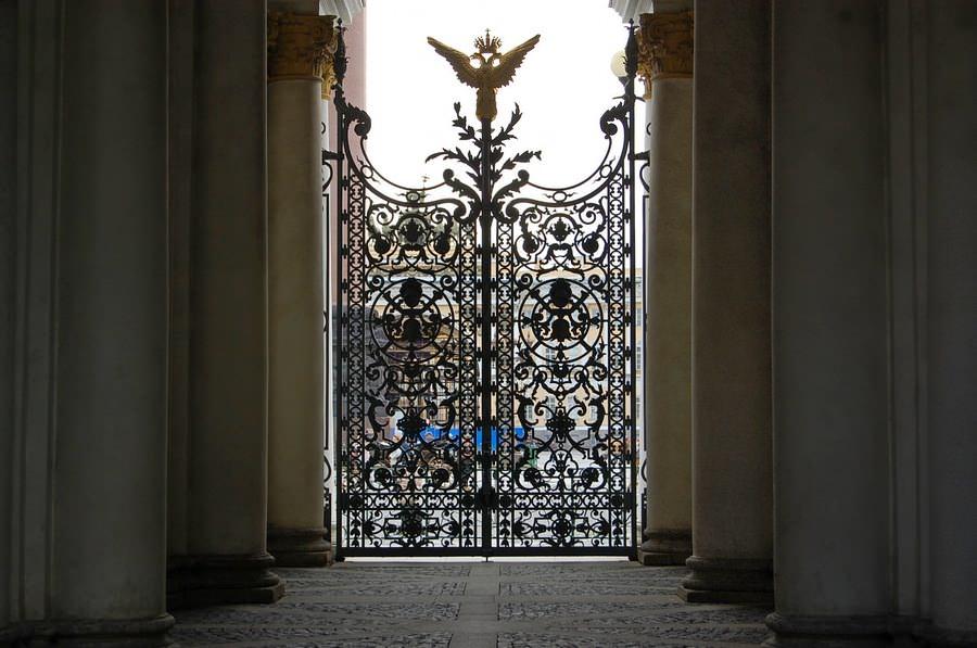 ворота эрмитаж