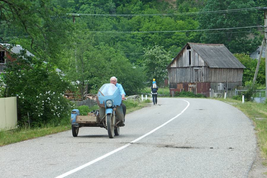 мотоцикл в поселке