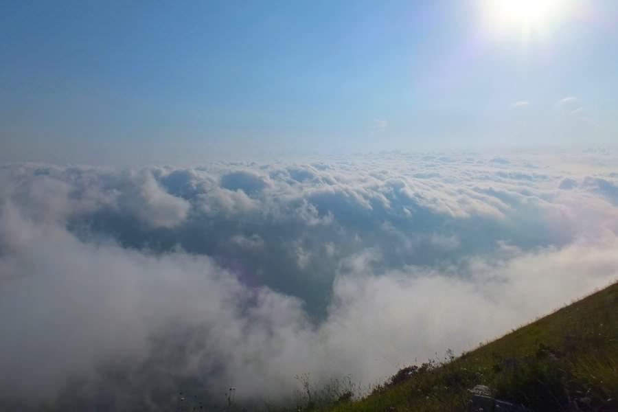 облака в горах
