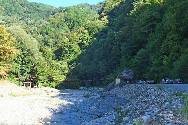 дорога к водопаду шапсуг