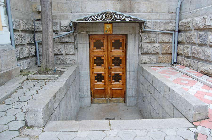 двери ялта